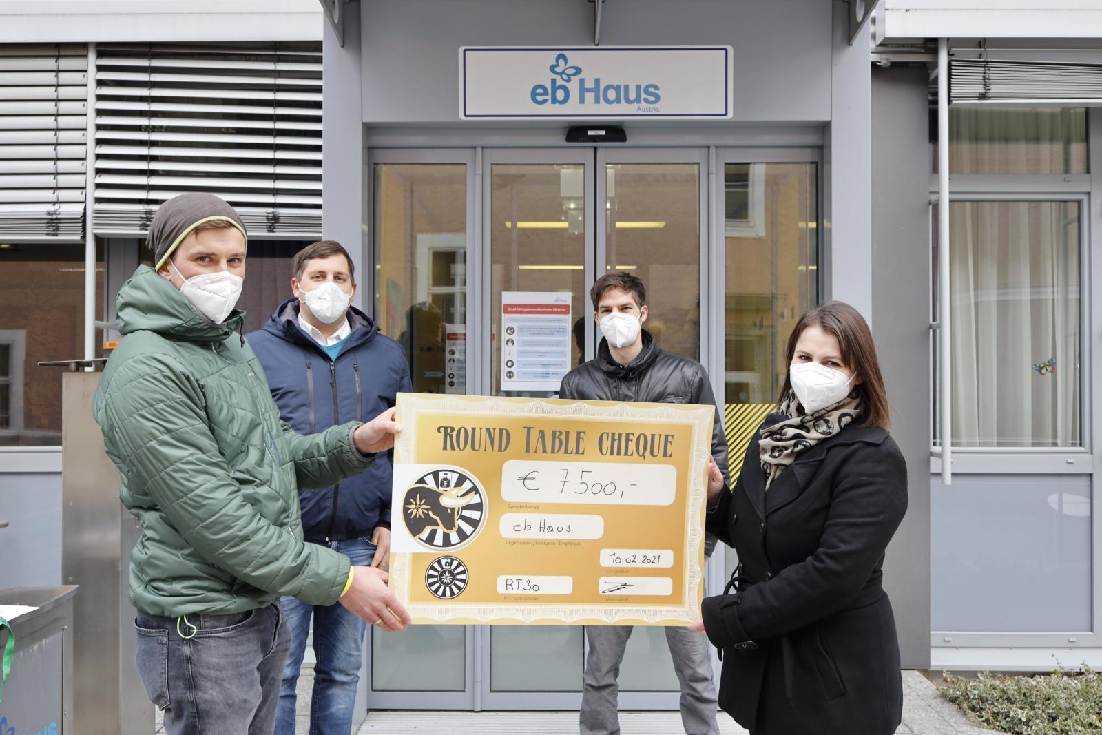 Dank Spendenboxen zu 7.500 Euro für Schmetterlingskinder